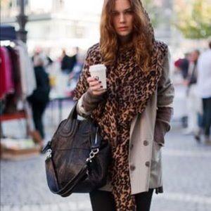 Louis Vuitton Iconic Leopard Stole